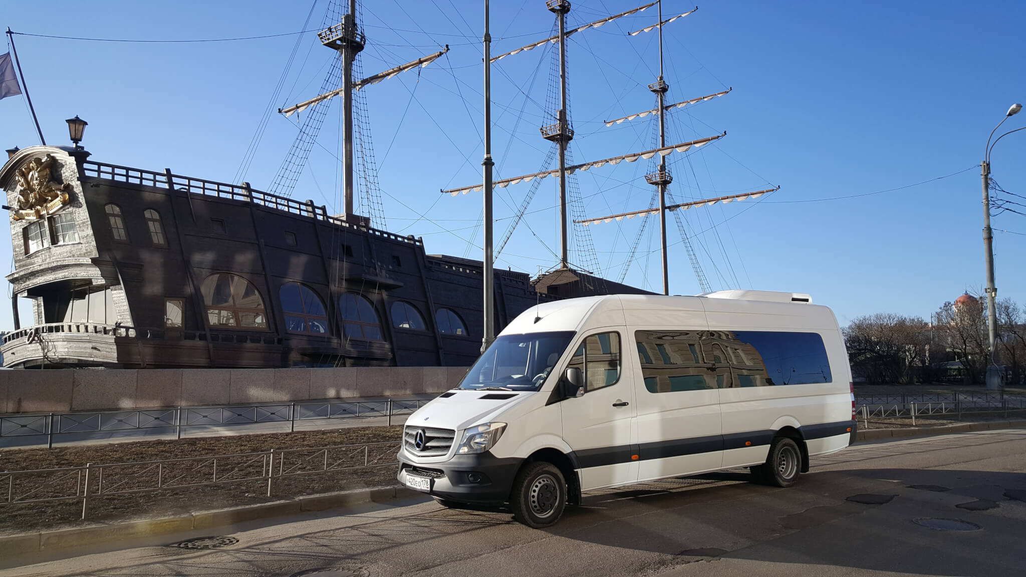 Аренда микроавтобуса в Санкт-Петербурге